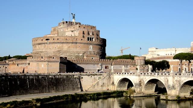 vidéos et rushes de castel san angelo à rome - forteresse
