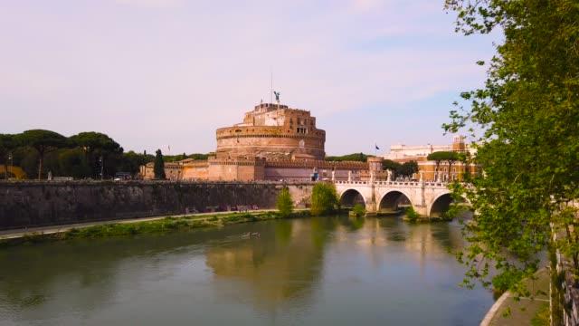 カステルサンタンジェロ in ローマ - サンタンジェロ橋点の映像素材/bロール
