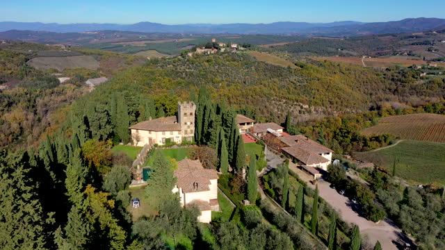 castello di verrazzano winery in chianti, tuscany, italy - 宅地点の映像素材/bロール