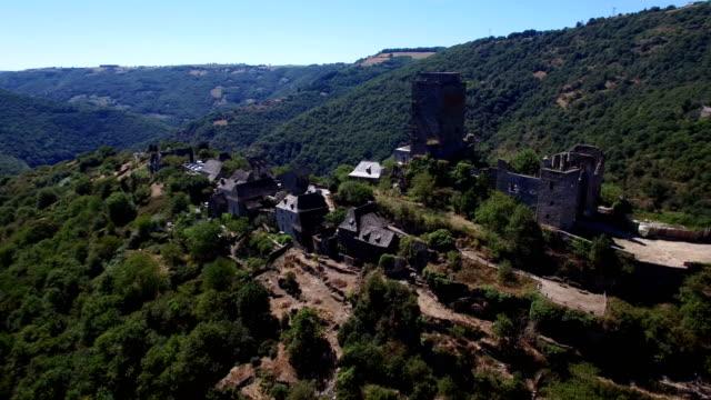 vidéos et rushes de castle of valon, aveyron, france - xiième siècle