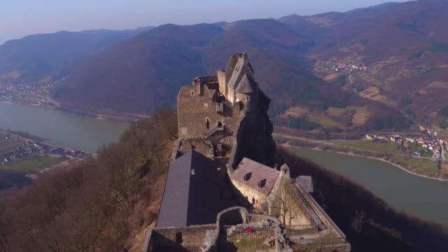 castle ruins of aggstein - wachau (aerial shot 4k) - circa 12th century stock videos & royalty-free footage