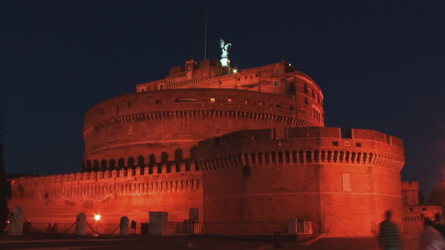 ws, castle sant'angelo illuminated at night, rome, italy - castle stock videos & royalty-free footage