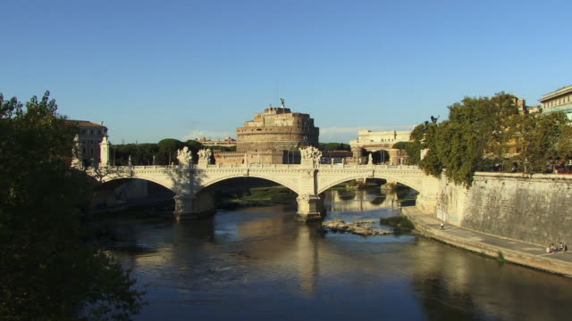ws, zi, castle sant'angelo with ponte vittorio emanuele ii in foreground, rome, italy - mausoleum stock videos and b-roll footage