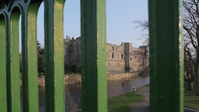 Castle though Bridge Railings, Newark, Nottinghamshire, England, UK, Europe