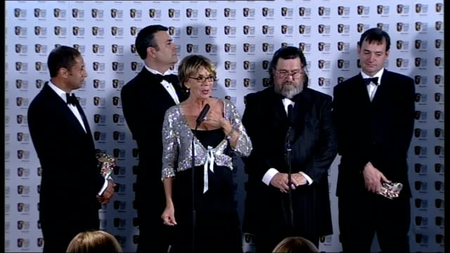 vidéos et rushes de casualty cast and crew / ross kemp / the royle family / stephen merchant / mitchell and webb / philip glenister / richard curtis / stephen fry sue... - sue johnston