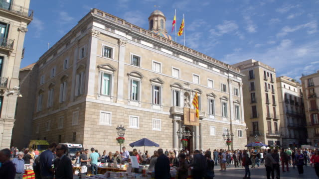 "catalan government building ""generalitat"" on sant jordi 2015 celebration - courtyard stock videos & royalty-free footage"