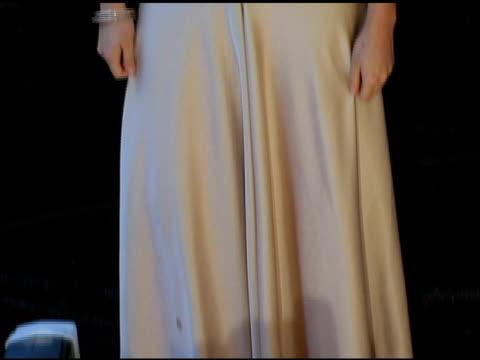vídeos de stock e filmes b-roll de catalina sandino moreno at the 2005 critics' choice awards at the wiltern theater in los angeles, california on january 10, 2005. - prémios critics choice movie awards