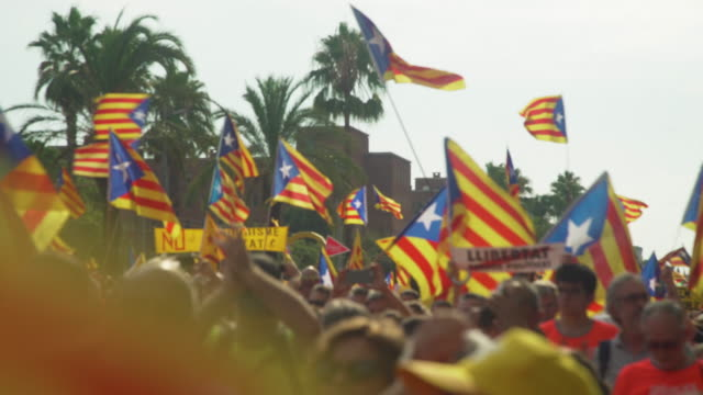 catalonia demonstration movement for the independence from spain. barcelona during 11 september 2018, catalan national day - politica video stock e b–roll