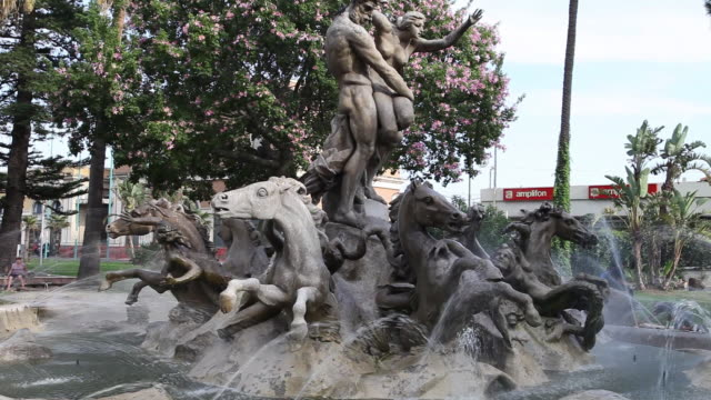 catania, piazza papa giovanni, fountain of the rape of proserpine - female likeness stock videos & royalty-free footage