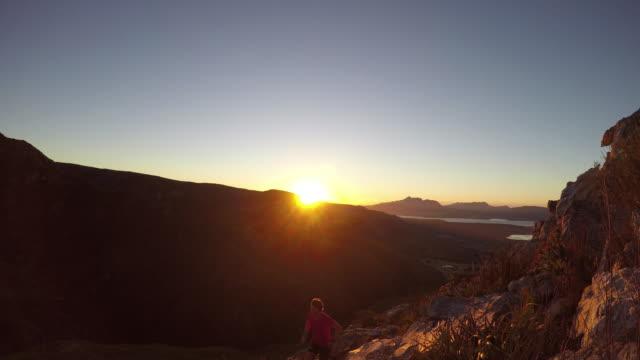 Pegar o nascer do sol na minha corrida de montanha