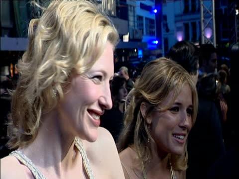 cate blanchett and sienna miller are interviewed by press on bafta red carpet london; 12 feb 05 - ケイト・ブランシェット点の映像素材/bロール