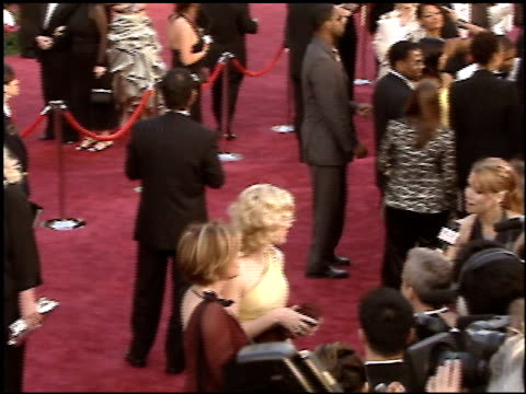 stockvideo's en b-roll-footage met cate blanchett at the 2005 academy awards at the kodak theatre in hollywood, california on february 27, 2005. - 77e jaarlijkse academy awards