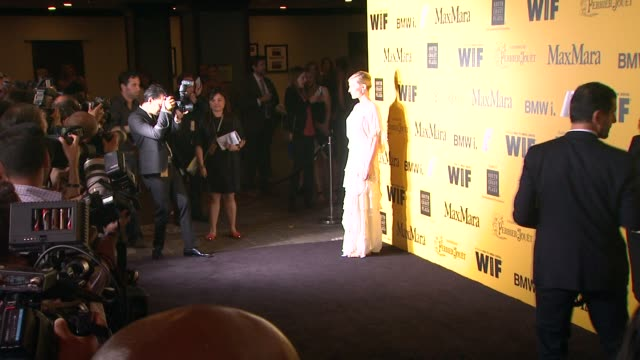 stockvideo's en b-roll-footage met cate blanchett at the 2014 women in film crystal lucy awards presented by max mara bmw perrierjouet and south coast plaza at the hyatt regency... - century plaza