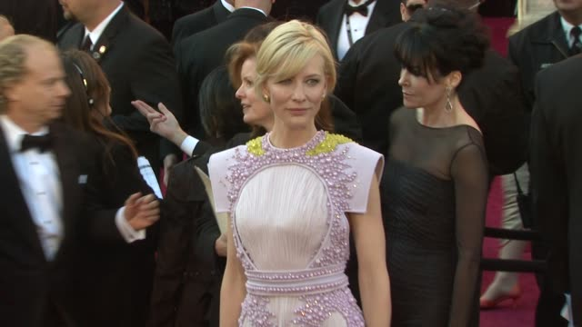 cate blanchett at the 83rd annual academy awards - arrivals at hollywood ca. - ケイト・ブランシェット点の映像素材/bロール