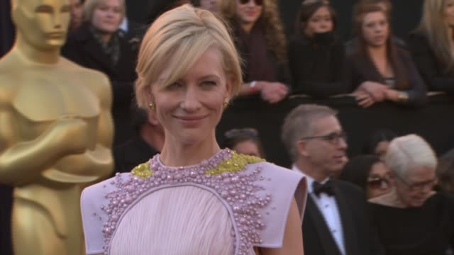 cate blanchett at the 83rd annual academy awards - arrivals pool cam at hollywood ca. - ケイト・ブランシェット点の映像素材/bロール