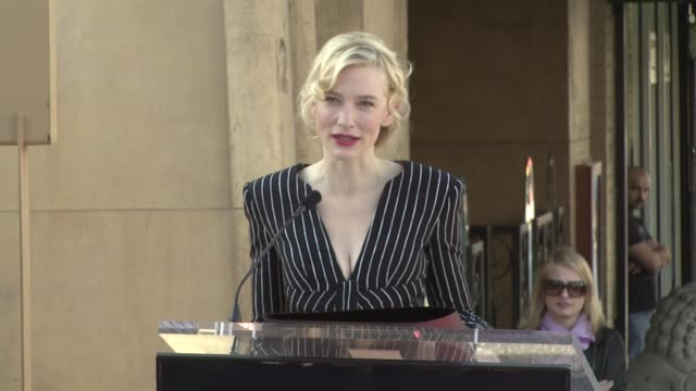 cate blanchett at the cate blanchett receives a star on the hollywood walk of fame at los angeles ca. - ケイト・ブランシェット点の映像素材/bロール