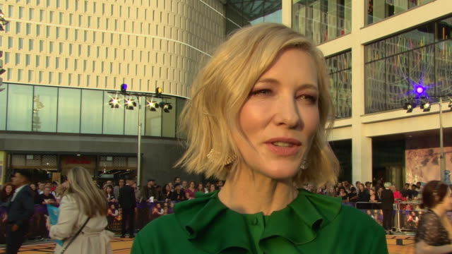 cate blanchett on being involved in the project, on the film being scary, working with jack black at 'the house with a clock in its walls' world... - ケイト・ブランシェット点の映像素材/bロール