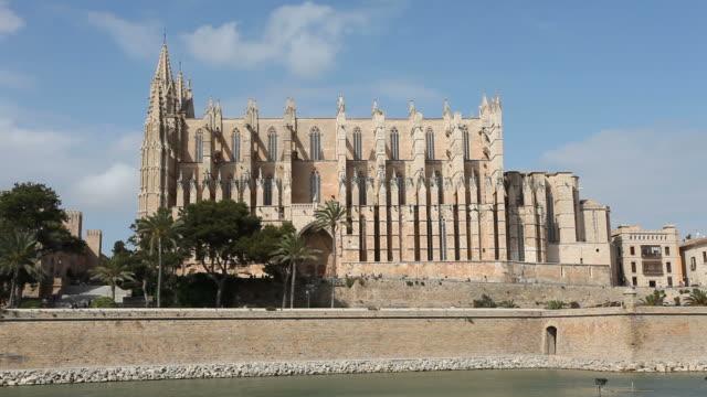 catedral de mallorca - la seu / time lapse - palma stock videos & royalty-free footage