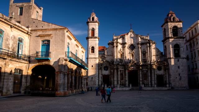 stockvideo's en b-roll-footage met catedral de san cristobal de la habana , havana cuba - cuba