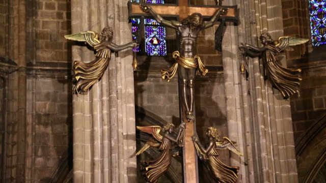 cathedral (cathedral of santa eulalia), 15th century iron work in the apse, barcelona, spain - apse stock videos & royalty-free footage