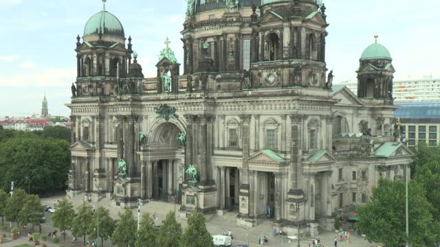 cathedral, berlin - evangelicalism stock videos & royalty-free footage