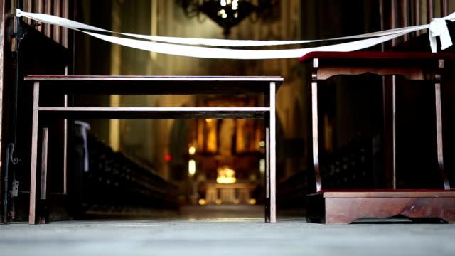 vídeos y material grabado en eventos de stock de catedral, iglesia, monasterio - escarapela