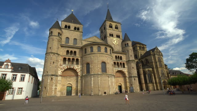 Cathedral in Trier, time lapse