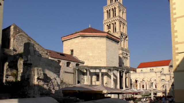 vídeos y material grabado en eventos de stock de catedral de san domnius - split, croacia - cultura croata