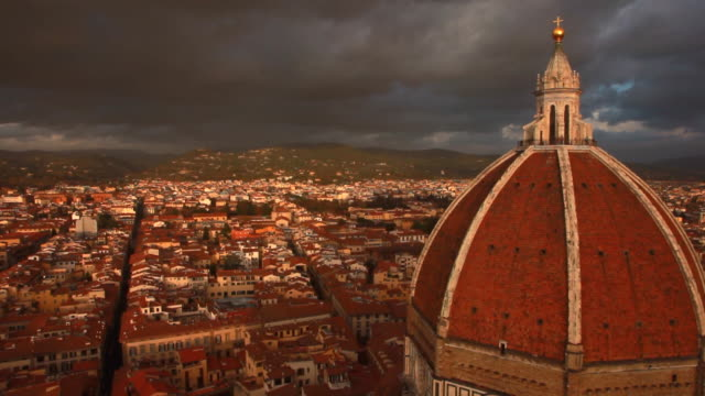 vidéos et rushes de cathedral of santa maria del fiore / florence, italy - dôme