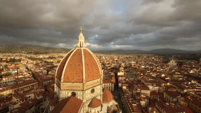 cathedral of santa maria del fiore / florence, italy - florenz stock-videos und b-roll-filmmaterial