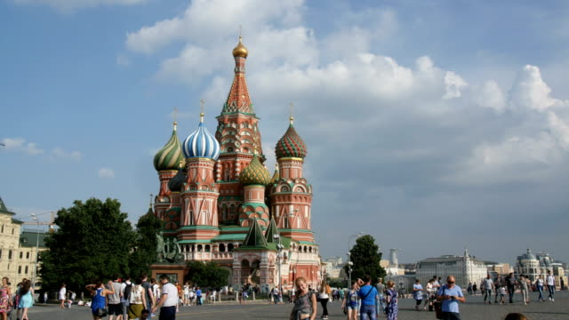 cathedral of st. basil, also known as the cathedral of vasily the blessed/ moscow, russia - cattedrale video stock e b–roll