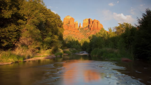 t/l ws tu cathedral rock and oak creek at sunset / sedona, arizona, usa - sedona stock videos & royalty-free footage