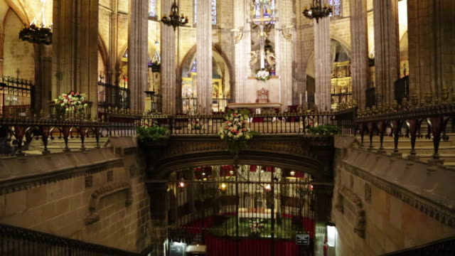 cathedral (cathedral of santa eulalia), view of the nave and the crypt, barcelona, spain - crypt stock videos & royalty-free footage