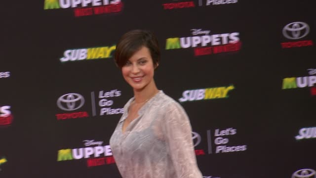 vídeos y material grabado en eventos de stock de catherine bell at disney's muppets most wanted los angeles premiere at the el capitan theatre on march 11 2014 in hollywood california - cines el capitán