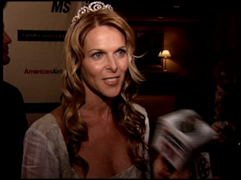 vidéos et rushes de catherine oxenberg at the race to erase at the westin century plaza hotel in century city, california on april 22, 2005. - race to erase ms