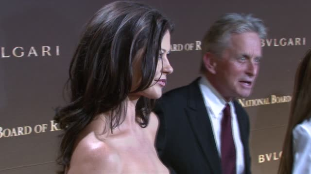 catherine zeta jones and michael douglas at the 2007 national board of review of motion pictures awards gala at cipriani 42nd street in new york, new... - michael douglas stock videos & royalty-free footage