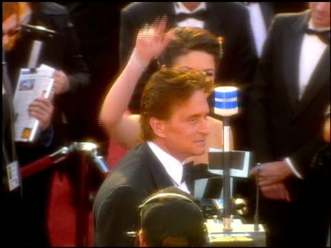 catherine zeta jones at the 2001 academy awards at the shrine auditorium in los angeles, california on march 25, 2001. - catherine zeta jones video stock e b–roll