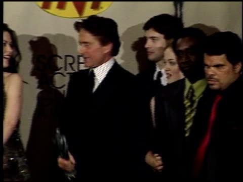 catherine zeta jones at the 2001 screen actors guild sag awards press room at the shrine auditorium in los angeles, california on march 11, 2001. - キャサリン・ゼタ・ジョーンズ点の映像素材/bロール