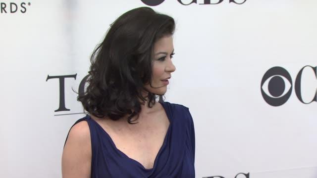 catherine zeta-jones at the 2010 tony awards meet the nominees press reception at new york ny. - キャサリン・ゼタ・ジョーンズ点の映像素材/bロール