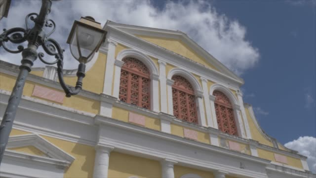vidéos et rushes de catholic church of st. peter and st. paul, pointe-a-pitre, guadeloupe, french antilles, west indies, caribbean, central america - guadeloupe