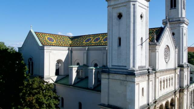 catholic parish and university church st. louis, ludwigskirche, munich - kirche stock-videos und b-roll-filmmaterial