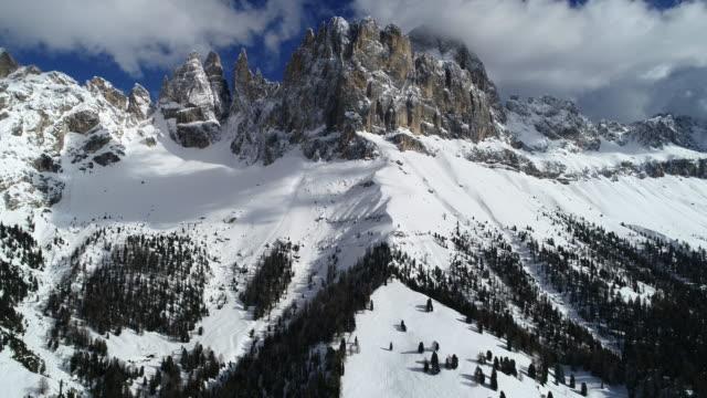 catinaccio rosengarten dolomites in winter, italy - dolomiti video stock e b–roll