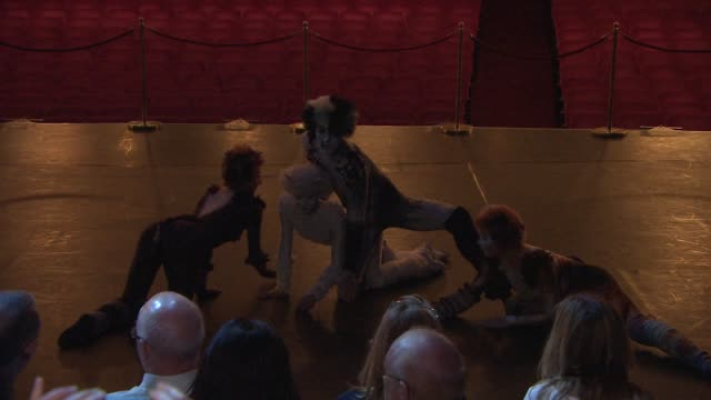 stockvideo's en b-roll-footage met clean 'cats' photocall at london palladium on july 07 2014 in london england - london palladium