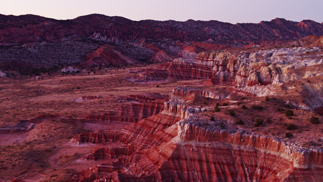 catstair canyon, grand staircase escalante national monument at sunset - drone shot - grand staircase escalante national monument stock-videos und b-roll-filmmaterial