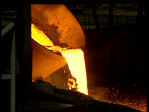 MS Cauldron tipping, pouring out red hot, molten metal