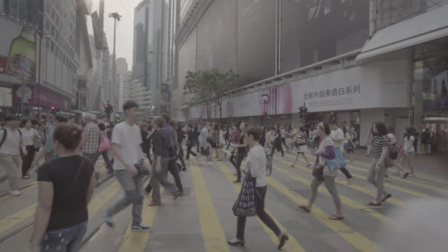 causeway bay, hong kong - pedestrian crossing stock videos & royalty-free footage