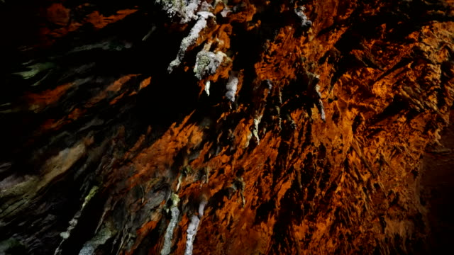 Cave stalaktiter