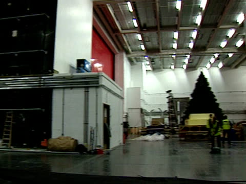 cavernous backstage area at the royal opera house 1999 - ballet dancing stock videos & royalty-free footage