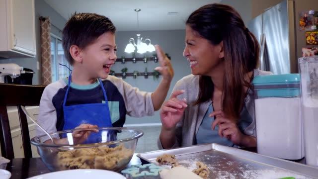 cc-kraft-family1-stillsvideo - one parent stock videos & royalty-free footage