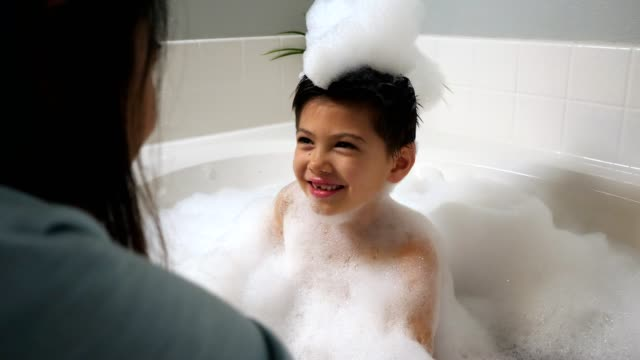 cc-kraft-family1-stillsvideo - bubble bath stock videos and b-roll footage